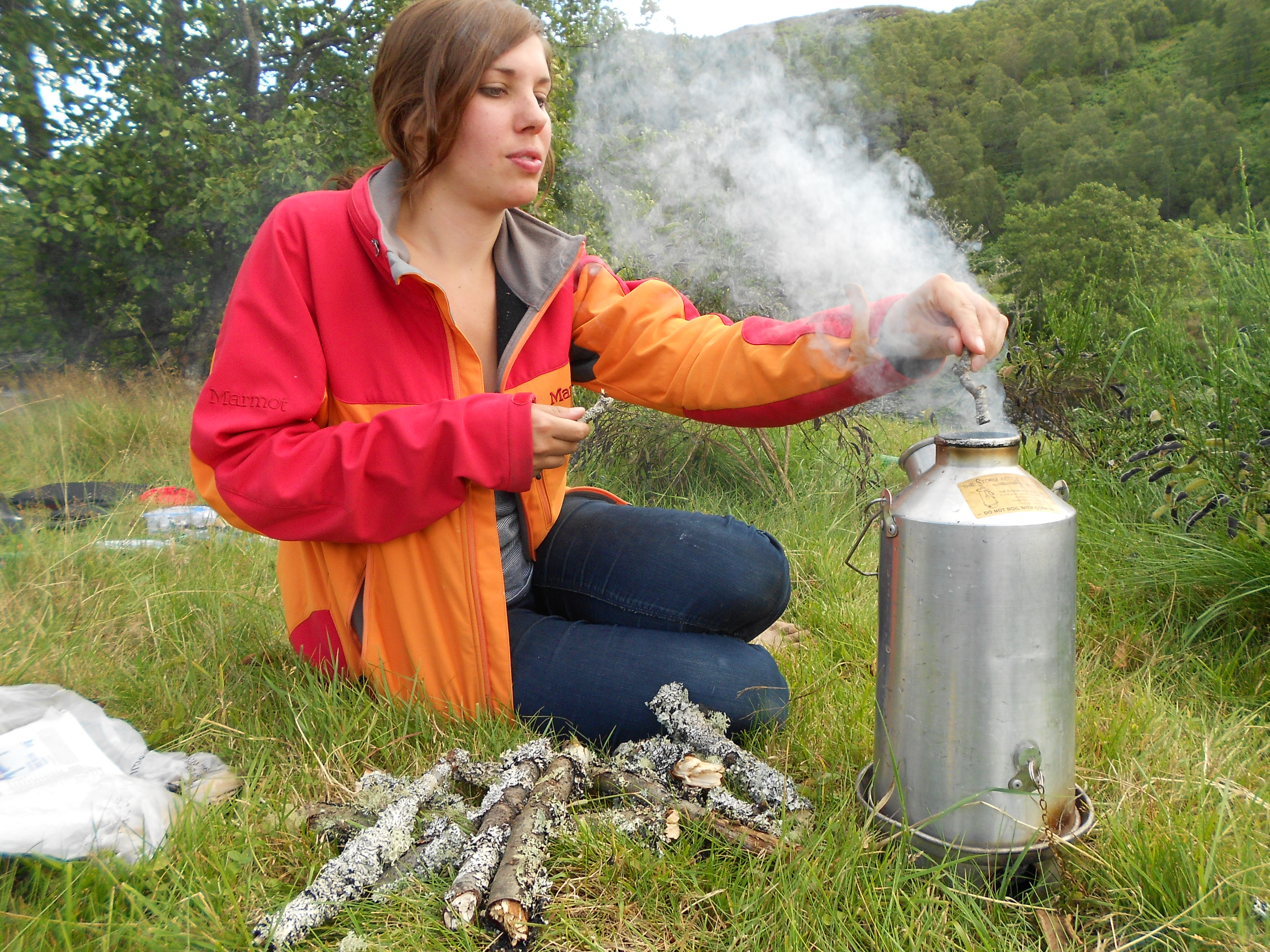How to use a storm kettle | The Girl Outdoors