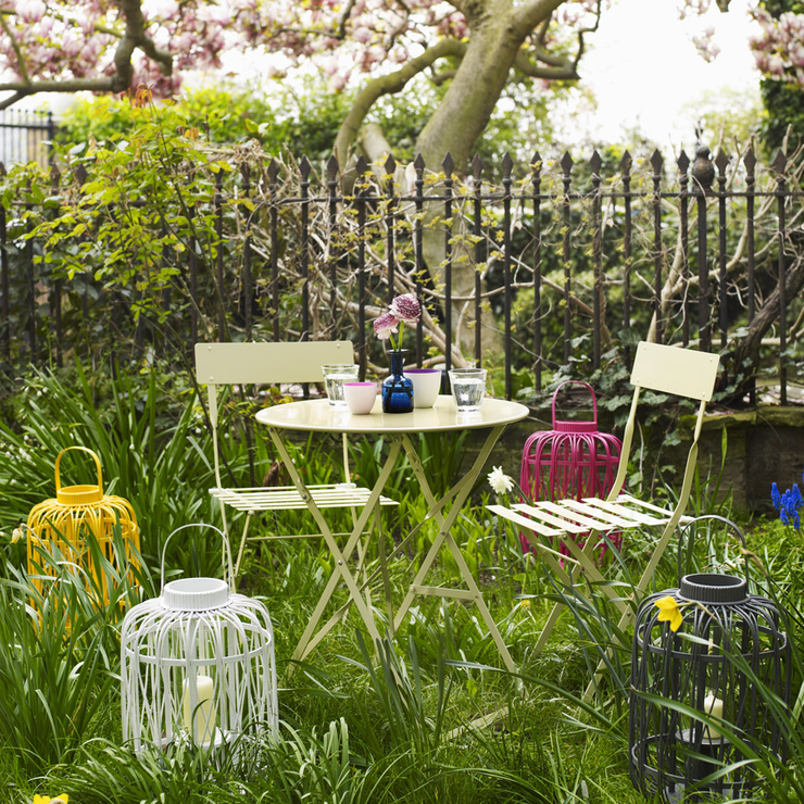Five Best Accessories For Summer Gardens The Girl Outdoors