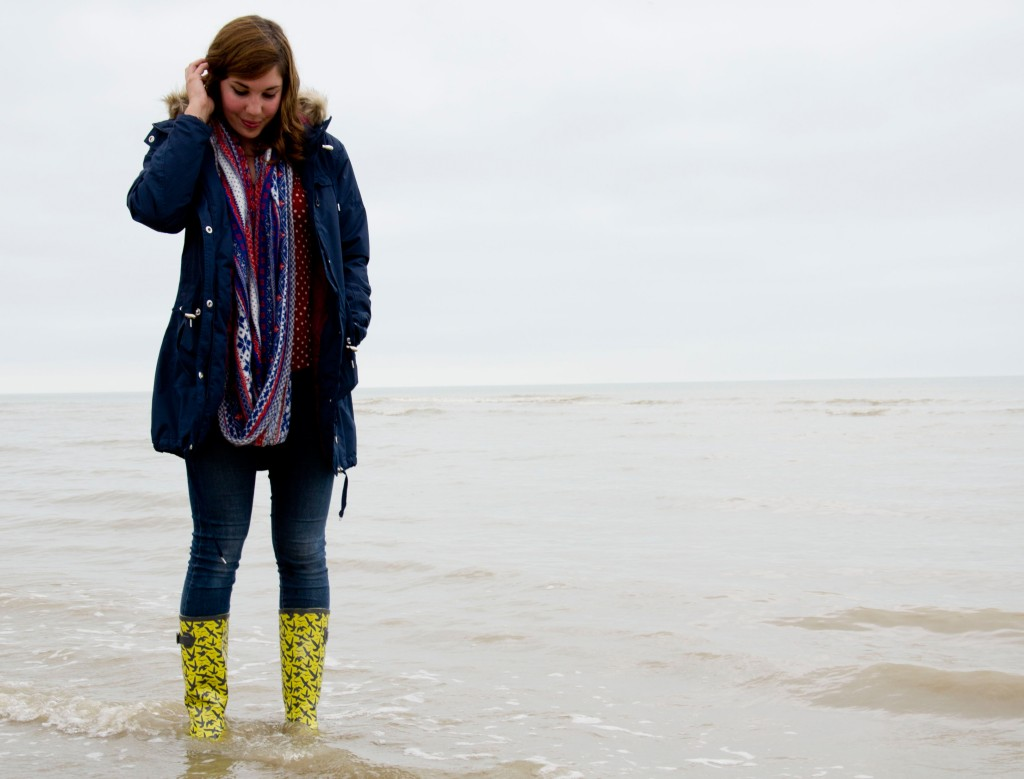 Autumn layers: cosy parkas and yellow wellingtons