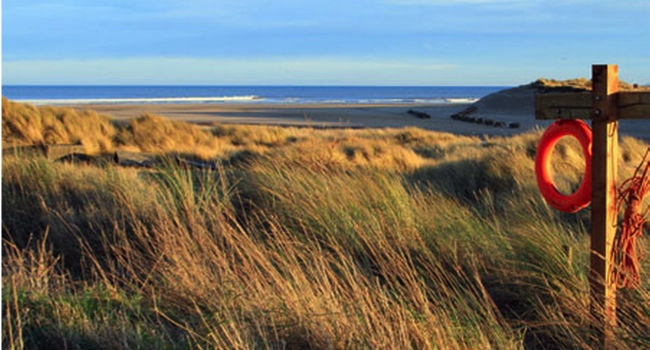 alnmouth-beach-image-2-387384272 Best Surfing Beaches UK - Best Surf Britain