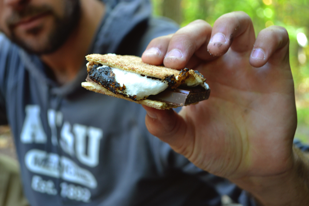 How to: make American s'mores by the campfire