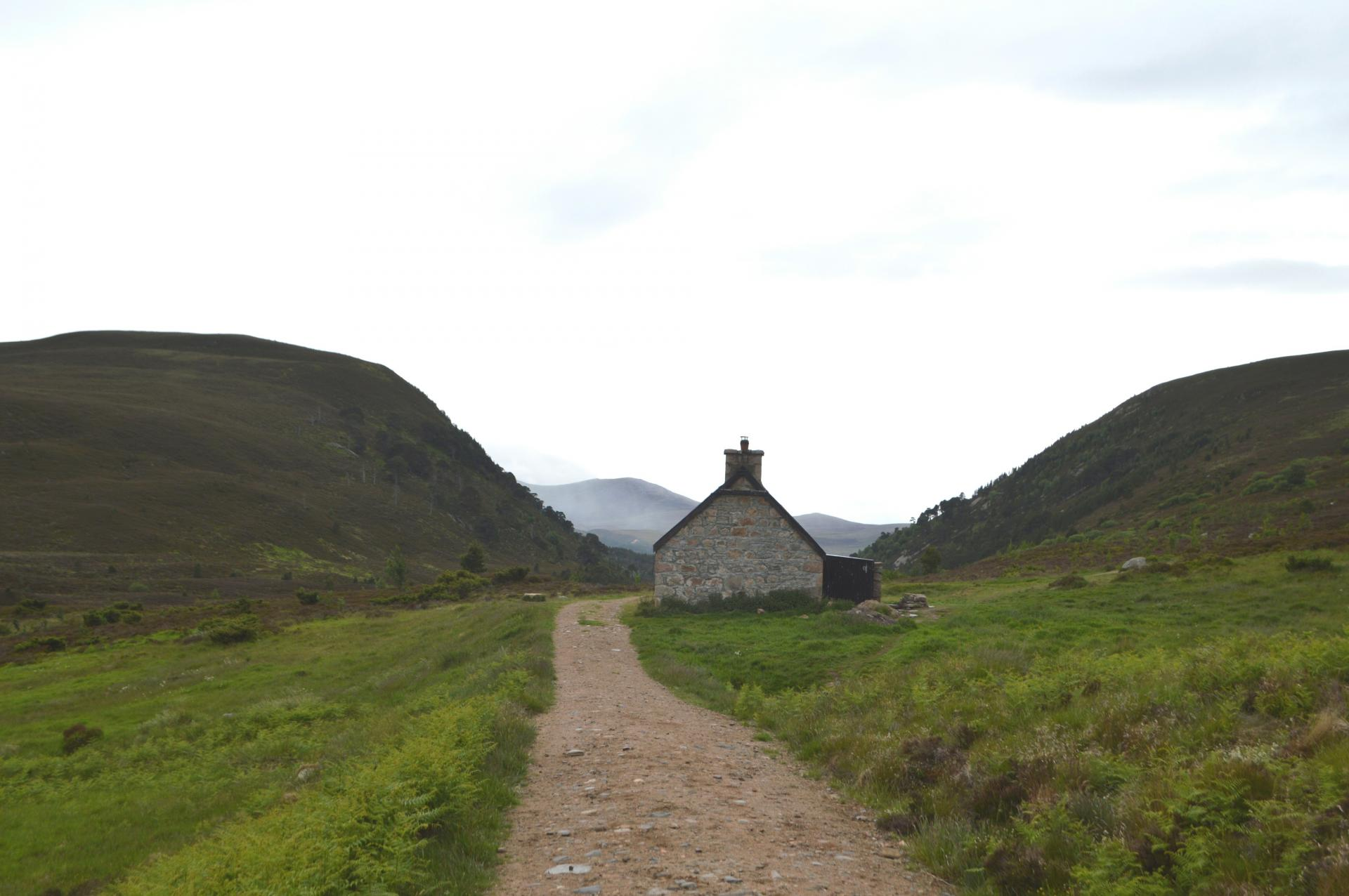 Ryvoan, the perfect beginner bothy in the Scottish Highlands