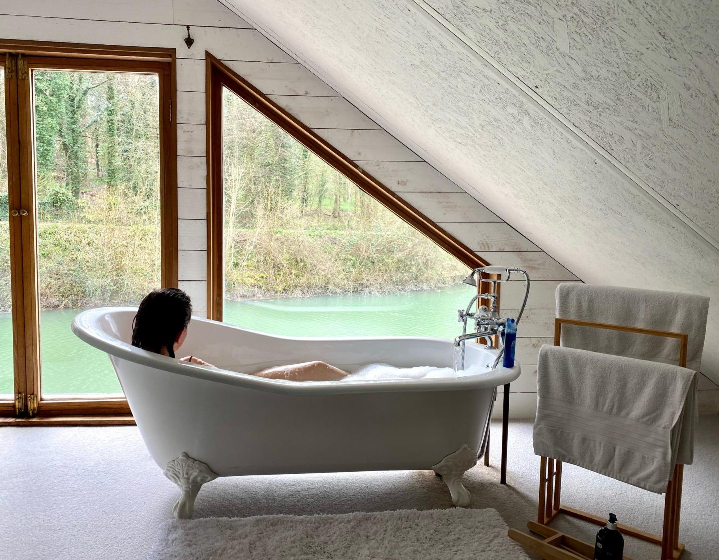Ditchling Cabin Review | Bath Time