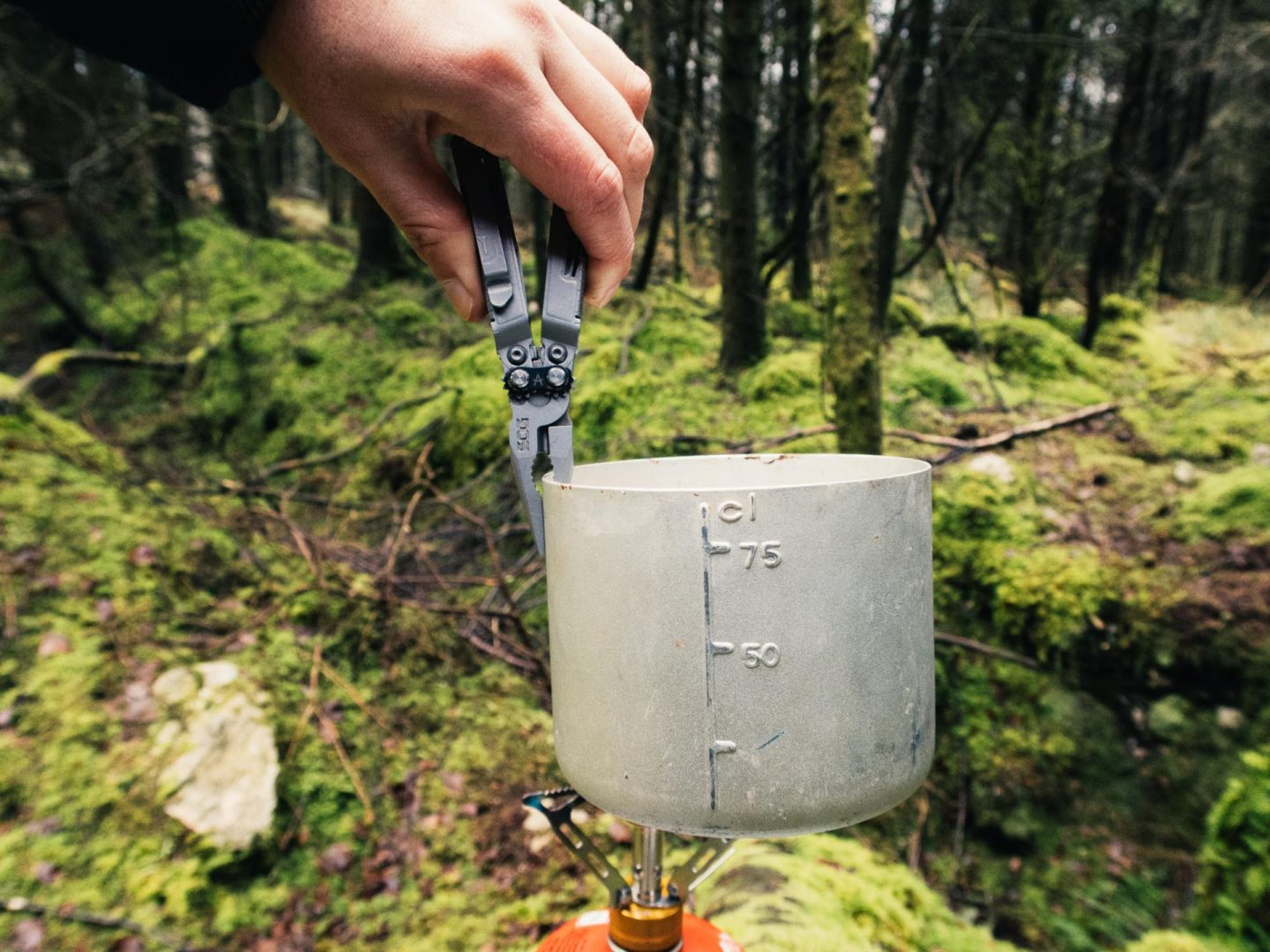 SOG PowerPint Review | Best Pocket Multi-Tool From SOG Knives 18 tool multi-tool perfect for camping and hiking